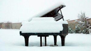 Piano in snow
