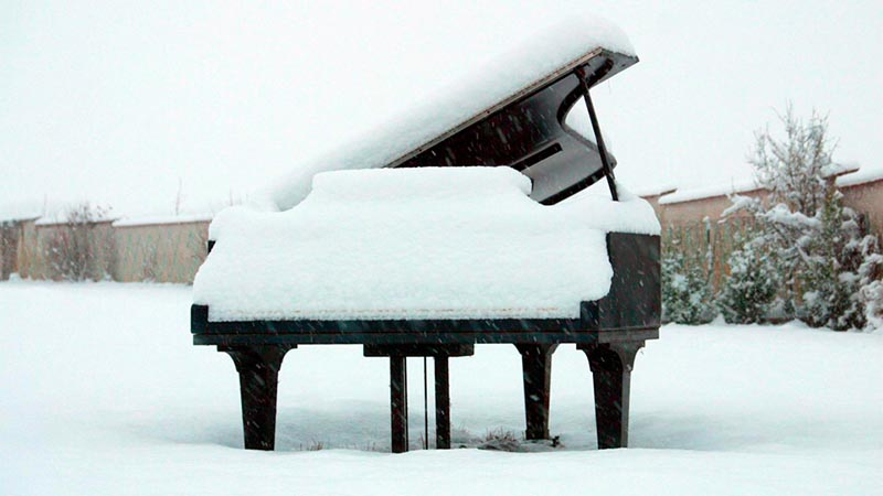 Piano in snow