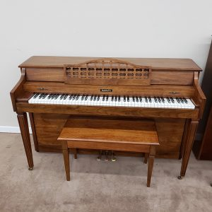 Baldwin Spinet front