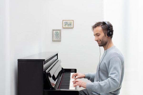 man playing CLP 785